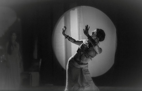 Temple Dancer Pia Louise Capaldi, Photo by Jocelyn Lecours